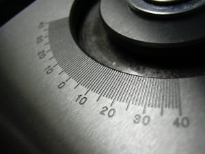 Inkrement nach Mass graviert mit einem Laser auf Stahl.