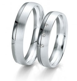 wedding rings customizable you choose your wedding ring white gold with three little diamonds