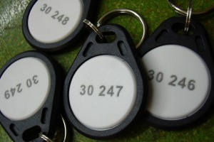 Badges passe-partout avec numérotation.
