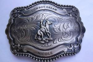 Gravure sur une boucle de ceinture pour Cowboy Dream.