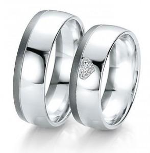 Moderne Eheringe, die Sie personalisieren können! Eheringe nach Mass... Aus weissem Gold mit Diamanten.  in matter und glänzender Ausführung